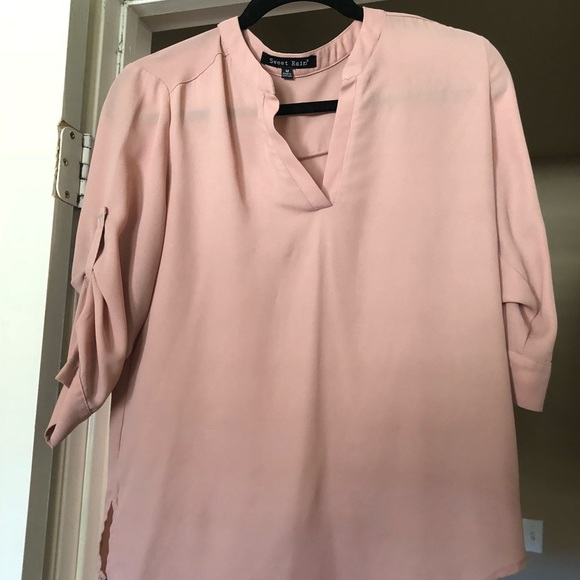 5bb941fe25ae74 Blush pink blouse! 3/4 sleeve roll up. M_5afca49f8af1c546bb6a86a2